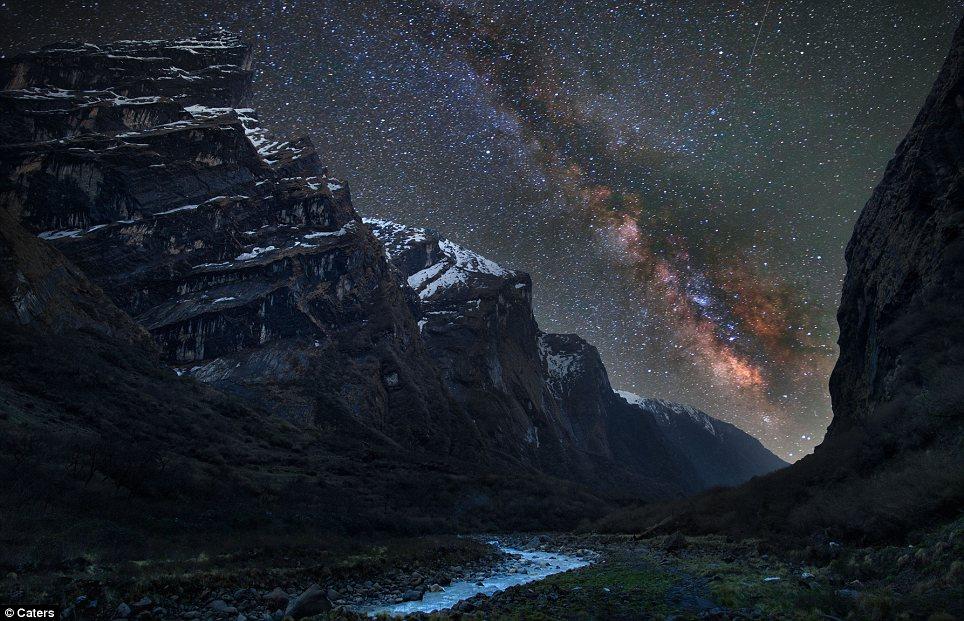 Night sky while Trekking in Nepal