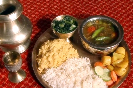 Complete vegetarians guide to nepal vegetarian trekker in nepal rice and gundruk forumfinder